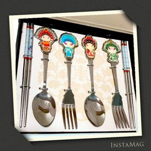 BEIJING OPERA ART DESIGN Flatware Set for 2